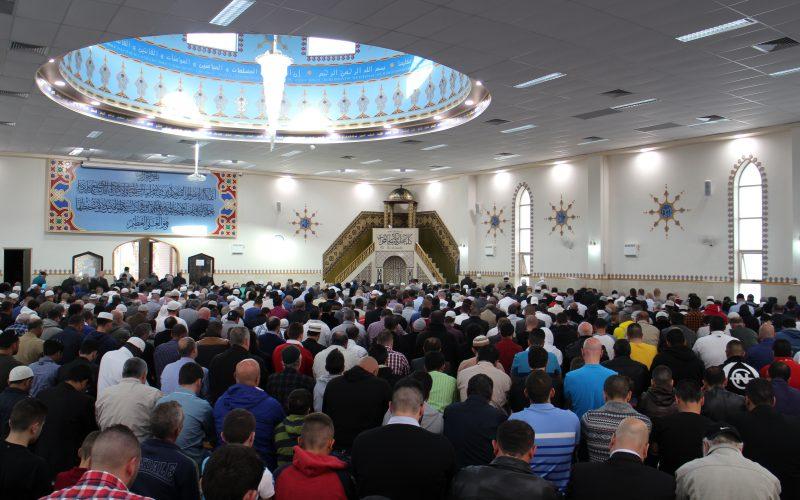 Kloof tussen moslims en niet moslims